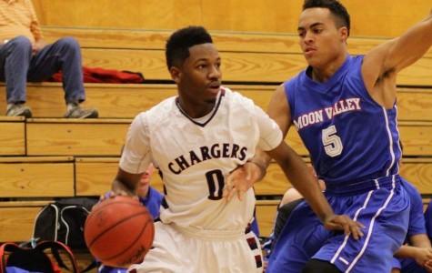 Varsity Boys Basketball clinches playoffs