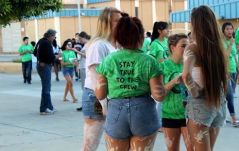 Link Crew hosts the Freshman Tailgate